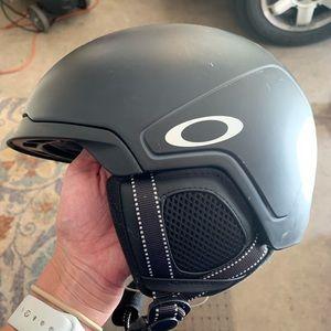 Oakley Ski Helmet and Bluetooth Headphones